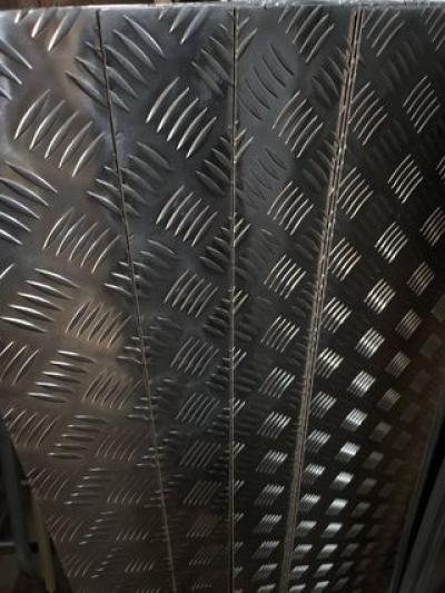 Лист алюминиевый рифленый 3